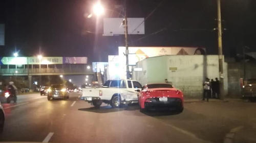 Difunden video del Ferrari antes de accidentarse en la Roosevelt
