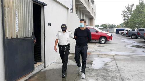 Juez procesa a Marco Pappa por faltas al orden público