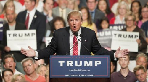 """Trump se asusta: llama al FBI por supuestas amenazas de """"El Chapo"""""""
