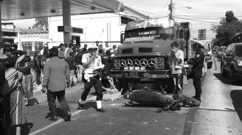 Niño muere decapitado en accidente de tránsito en zona 9 capitalina