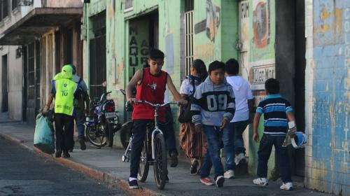 ¿Cuántos guatemaltecos se benefician con las remesas familiares?