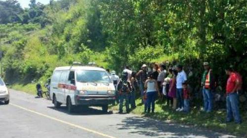 Vehículo cae en Lago de Amatitlán, se reportan dos personas fallecidas