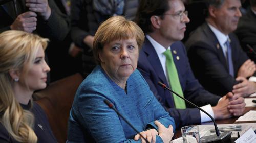 Las incómodas miradas de Angela Merkel a Ivanka Trump