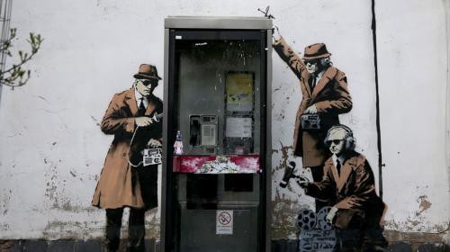 Banksy acepta la autoría de famoso graffiti contra el espionaje