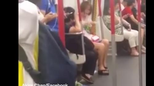 Video: sufre crisis nerviosa al quedarse sin batería su teléfono