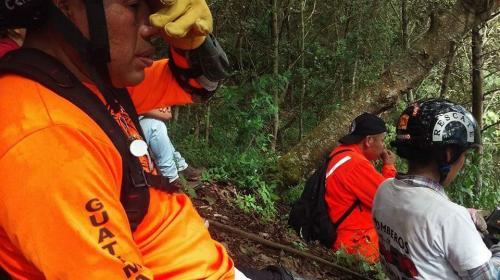 Localizan a siete turistas extraviados en el volcán Tolimán