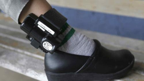 Diputado propone brazaletes electrónicos para evitar prisión