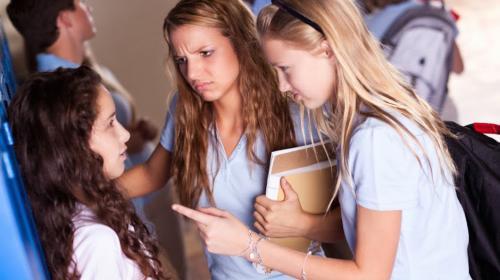 Autoridades investigan salvaje caso de bullying en España