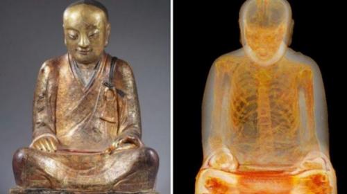 Analizan estatua de Buda y descubren una momia en su interior