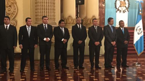 Jimmy Morales reemplaza a 8 gobernadores departamentales