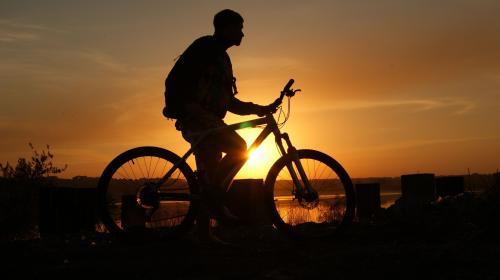 Ciclista despistado viajó 500 kilómetros en dirección opuesta a casa