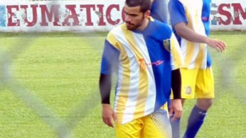 Futbolista muere en pleno partido al recibir manotazo de rival