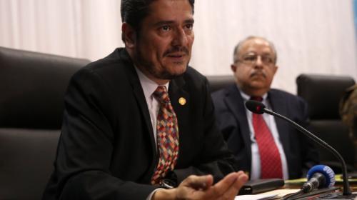 Guatemala retira temporalmente a su embajador en Belice