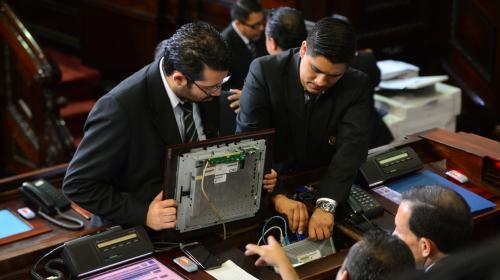 Tablero electrónico del Congreso sería reparado antes del 14 de enero