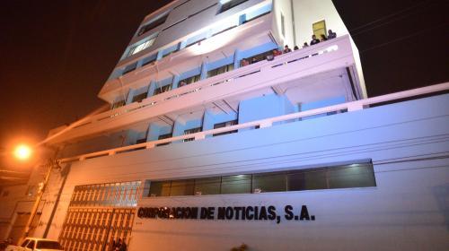 Periodistas de Corporación de Noticias piden pago de salarios