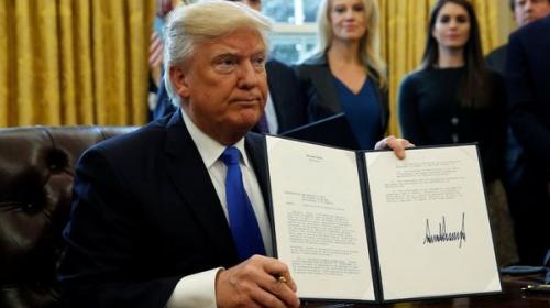 Donald Trump podría firmar una nueva versión del veto migratorio