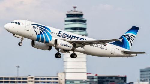 """""""Algo catastróficamente rápido sucedió a bordo del avión de EgyptAir"""""""