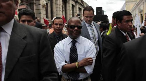 """Todd Robinson: """"Si podemos ayudar contra la corrupción, lo haremos"""""""