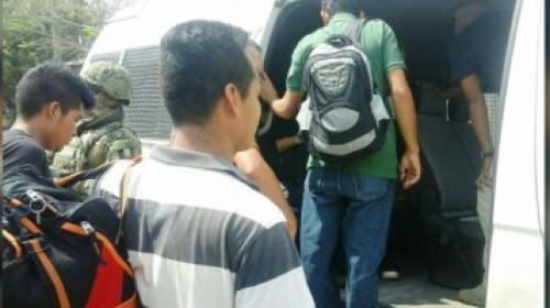 Rescatan a 17 migrantes guatemaltecos secuestrados en México