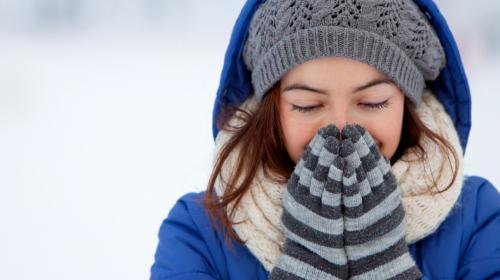 ¿Siempre tienes frío? Aquí te decimos algunas cosas que lo provocan