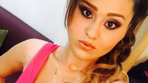 Foto de Gomita en sexy lencería roja provoca la polémica en Instagram
