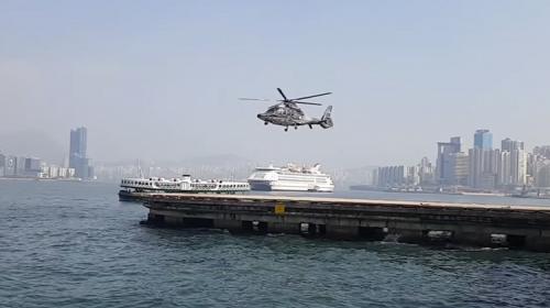 """¿Ilusión o realidad? Helicóptero que vuela """"sin mover"""" su hélice"""