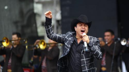 El cantante norteño Julión Álvarez amenizó la asamblea de Lider