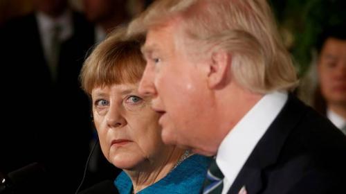 Donald Trump hace una extraña broma a Angela Merkel y así reacciona