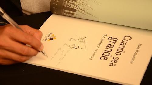 """""""Cuando sea grande"""", libro didáctico de cine por Jayro Bustamante"""