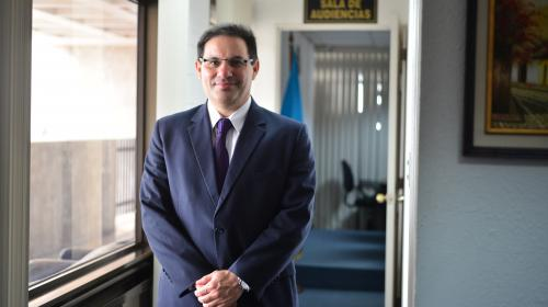 Marco Antonio Villeda: el juez que va tras los bienes de los corruptos