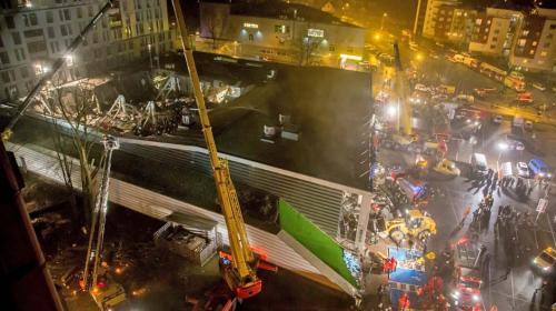 Ya son 32 los muertos tras derrumbe en centro comercial en Letonia