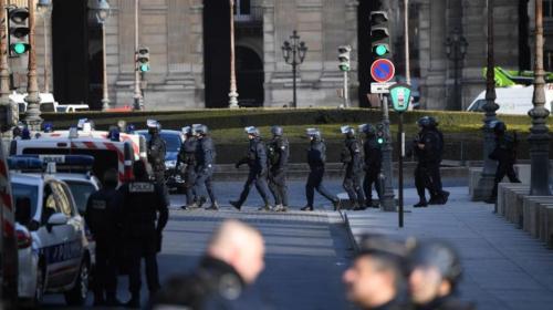 Francia revela información sobre el atacante del Museo del Louvre