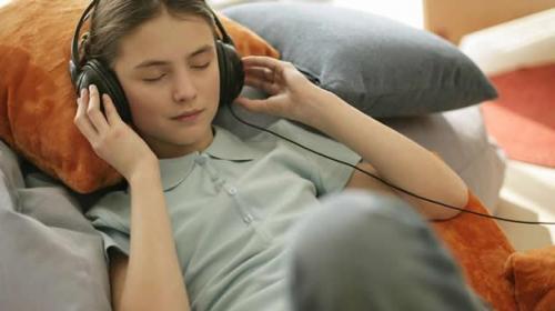 La música reduce el dolor y la ansiedad de una cirugía