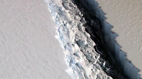 #Video Un dron muestra una grieta de 40 kilómetros en la Antártida