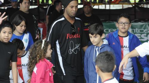 El niño guatemalteco que anotó un golazo y no celebró con Ronaldinho