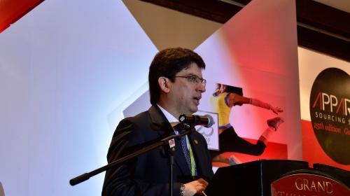 Jimmy y su ministro de Economía difieren por Ley de Maquilas