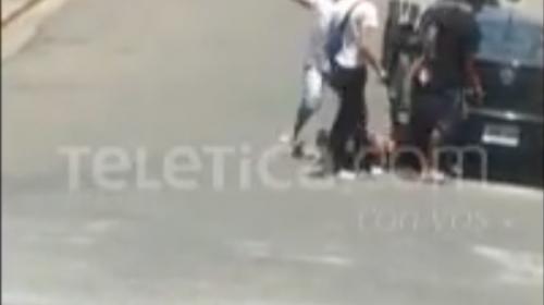 Captan en video brutal agresión contra un hombre en Costa Rica