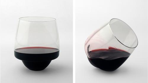 """¡Ni una gota más!, crean una copa de vino """"antiderrames"""""""