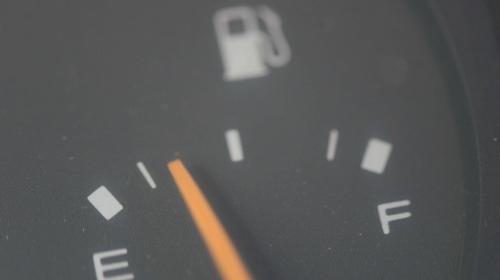 Más de 70 carros se quedan sin gasolina en la capital todos los días