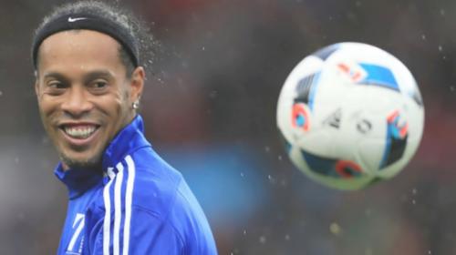 ¿Por qué Ronaldinho siempre sonríe?