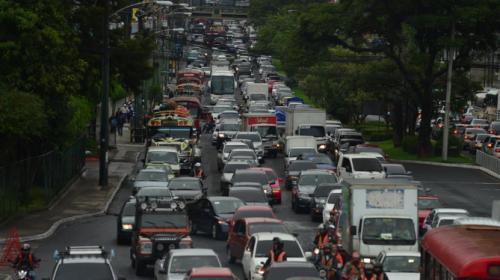 Evita estas calles para no quedar atrapado en el tráfico