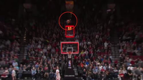 Mira esta grandiosa canasta que podría ser la jugada del año en la NBA