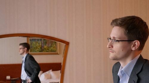 Ex director de la CIA, culpa a Snowden por los atentados en París