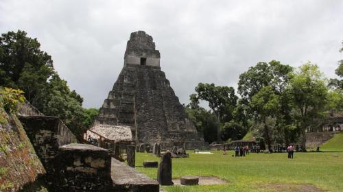 Tikal, entre las 10 rutas milenarias más impresionantes, según revista