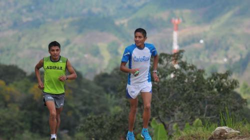 Mario Pacay es segundo del mundo en los 10,000 metros juveniles
