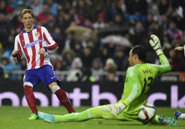Fernando Torres le anotó un doblete al Real Madrid y con esto el Atlético eliminó a los merengues de la Copa del Rey