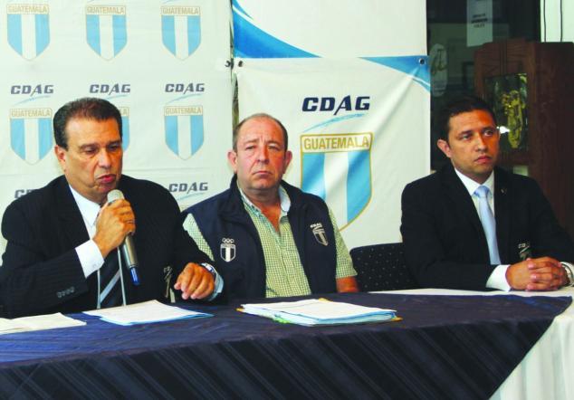 Dennis Alonzo presidente y el comité ejecutivo de CDAG foto