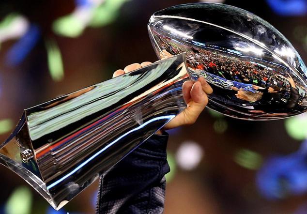 El Super Bowl es un evento que además de ser reconocido por lo que sucede dentro del terreno de juego, es todo un fenómeno de mercadeo
