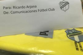 Cremas responden a Ricardo Arjona foto