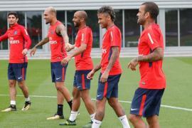 Neymar se disculpa con sus compañeros del PSG foto